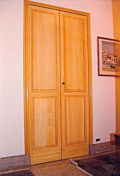 Les faux bois for Trompe l oeil porte placard